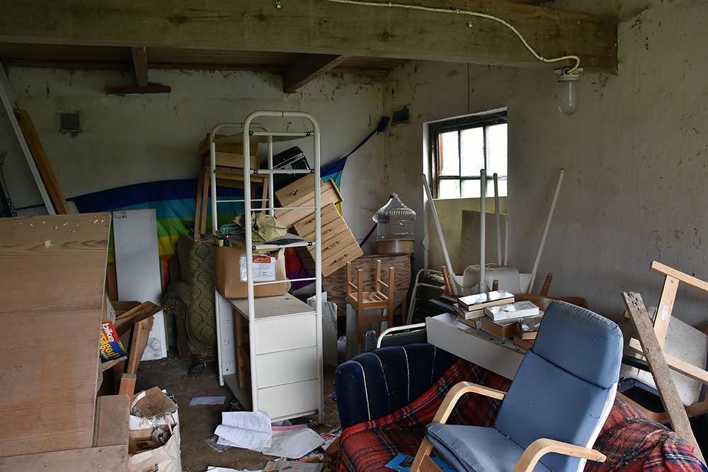 Ett rum innan det blivit städat. I